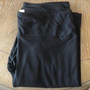 LuLaRoe OS Black Leggings